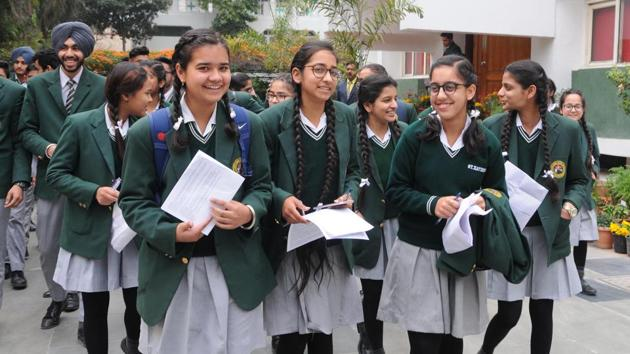 What matters most is how students attempt the science paper. Managing time well is important too. If one question is taking up a lot of time, they should not get stuck with it, advise teachers.(HT File Photo)