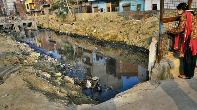 The drains of northeast Delhi create a labyrinth which often confuses even residents. The main drain is referred to as Drain No. 1, which originates in the Eastern Yamuna Canal in UP.(HT Photos/Amal KS)