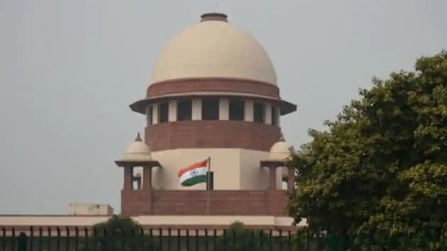 The Supreme Court has asked the high court to hear petitions on Friday on registering FIRs for hate speeches in Delhi