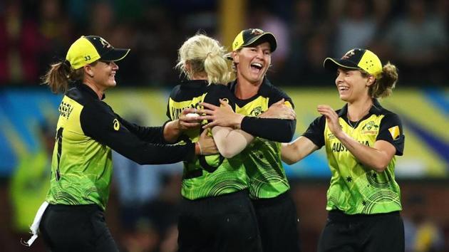 Australia beat South Africa to reach final.(Twitter/)