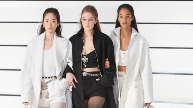 Gigi Hadid who walked hand in hand with other models gave us major squad goals.