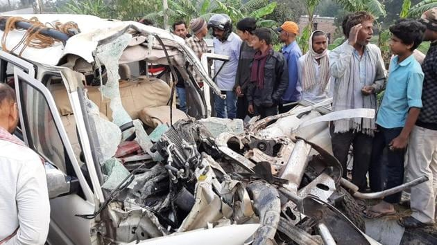 At least 12 people died in a road accident on a highway in Bihar on Saturday.(HT Photo)