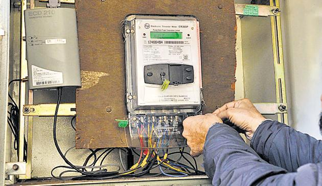 Smart meters could help improve detection of theft (a necessary but not sufficient condition for viable discoms), but they can't accurately pinpoint all forms of theft alone(Pardeep Pandit/HT Photo)