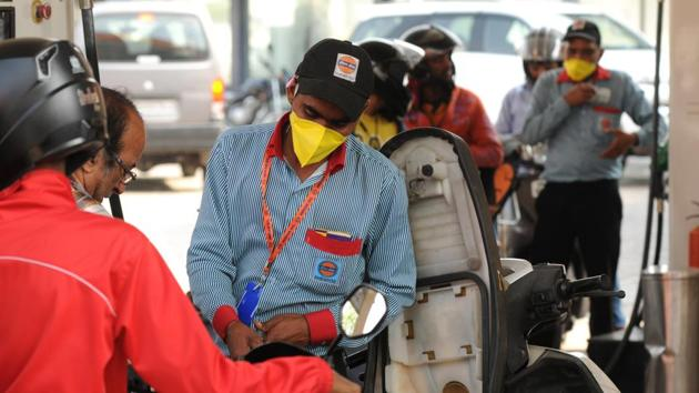 """A government official described the increase in excise duty on fuel, taxes on which make up one-third of retail prices, as a """"measure of fiscal prudence"""".(Parveen Kumar/HT Photo (Image for representational purpose))"""