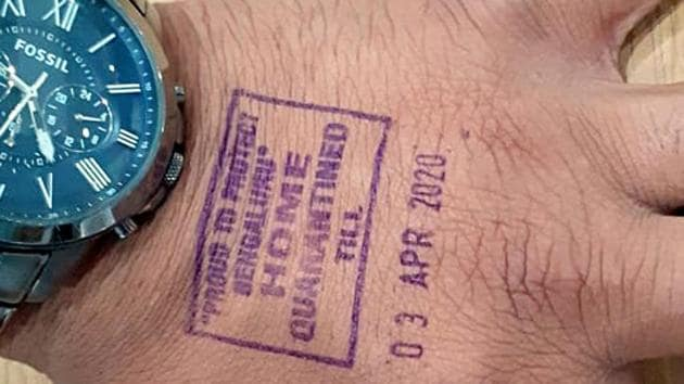 'Home quarantine' stamping with indelible ink for international passengers has started at Kempegowda International Airport in Bengaluru. The stamp indicates the last day of quarantine.(ANI)