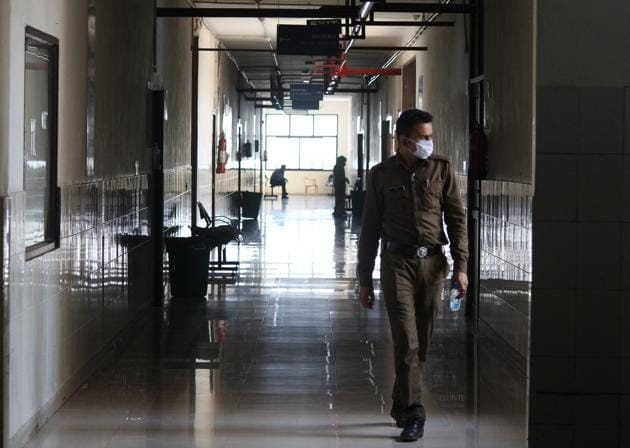 Coronavirus outbreak: A view inside the coronavirus quarantine ward set up at SGT Hospital in Budhera in Gurugram, India, on Thursday, March 19, 2020.(Yogendra Kumar/HT PHOTO)