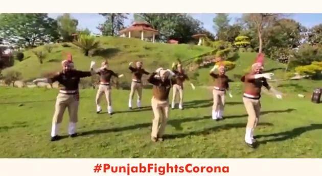 Punjab Director General of Police Dinkar Gupta has posted the video on Twitter.(Twitter/@DGPPunjabPolice)