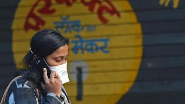 An ongoing study by researchers at Northwestern University, the University of Mannheim, Germany, and the University of California, San Diego, finds that women are bearing a disproportionate economic burden of the coronavirus disease.(Pratham Gokhale/HT Photo)