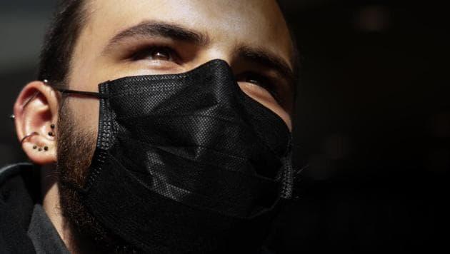 French fashion houses Yves Saint Laurent and Balenciaga to produce coronavirus masks.(Unsplash)