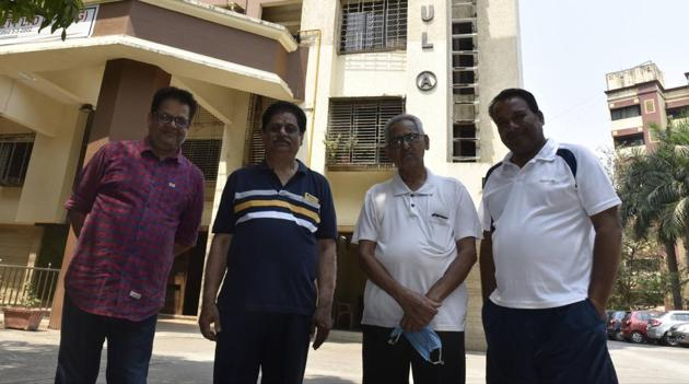 At Gurukul Co-op housing society at Dahisar, house help have been given leaves, while five security staff have been asked to stay on premises, with society members taking turns to provide them food and snacks.(Pramod Thakur/HT)