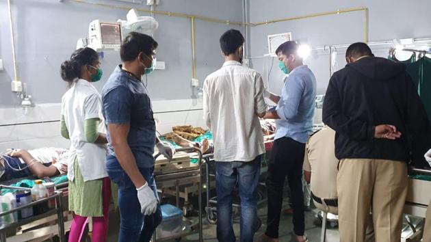 The scene at a hospital in Virar where three injured were admitted.(HT PHOTO)