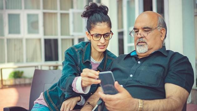 You can teach elderly people how to use the Airtel Thanks app.(iStock)