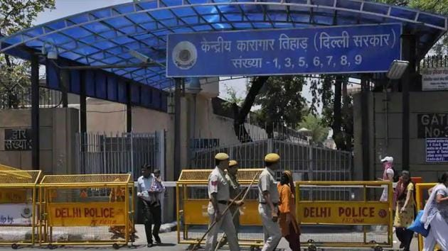With over 18,000 inmates, the Tihar jail is the most overcrowded prison complex across Delhi.(Vipin Kumar/HT File Photo)
