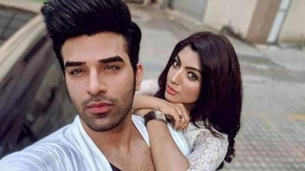 Paras Chhabra and Akanksha Puri continue to shame each other post their breakup.