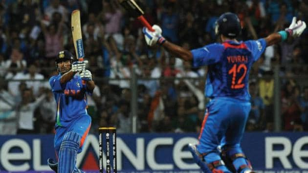 MS Dhoni seals it with a six(Twitter)