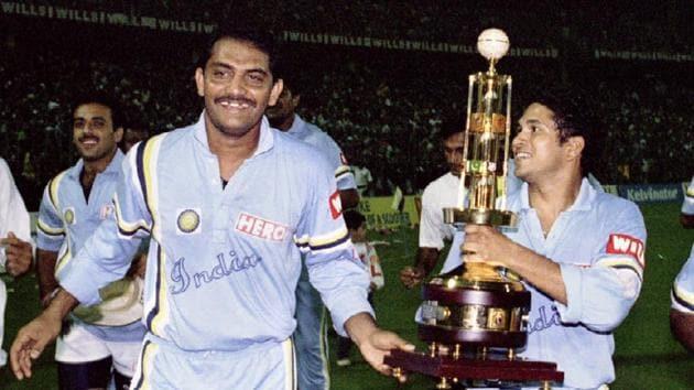 Mohammed Azharuddin and Sachin Tendulkar after winning Bengal's Diamond Jubilee six nation tournament in Calcutta.(REUTERS)