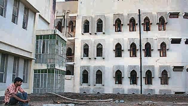 The Markaz's grey building stands near the entrance, very close to the famous Karim's restaurant, and a few steps away from a great literary landmark: poet Mirza Ghalib's grave.(Mayank Austen Soofi)