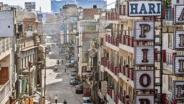 The Paharganj main market, now empty of character, on day eleven of the 21-day lockdown on Saturday, April 4. (Biplov Bhuyan / HT PHOTO)