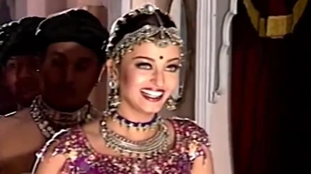 Aishwarya Rai Bachchan is seen preparing for a dance sequence in the video.