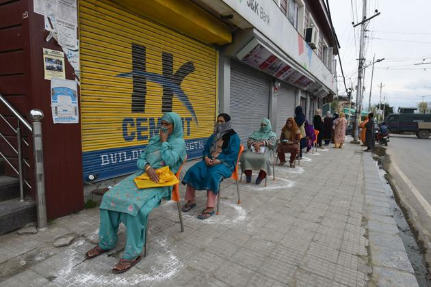 The Covid-19 crisis has a key role for the government, but we should not assume that only the government has the answers(Waseem Andrabi / Hindustan Times)