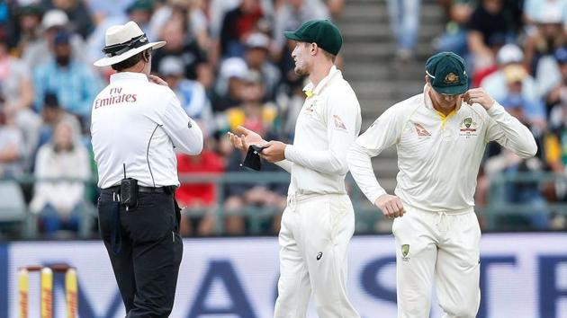 Cameron Bancroft and Steve Smith being investigated.(AFP)