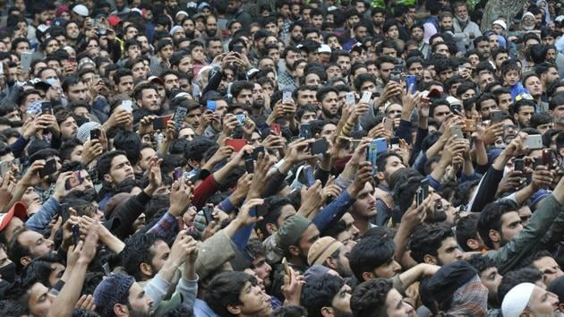 Sopore police authorities registered a case late Wednesday evening against the people who participated in the funeral, ignoring the government advisory about the ban on social gathering due to Covid-19 outbreak.(HT file photo. Representative image)