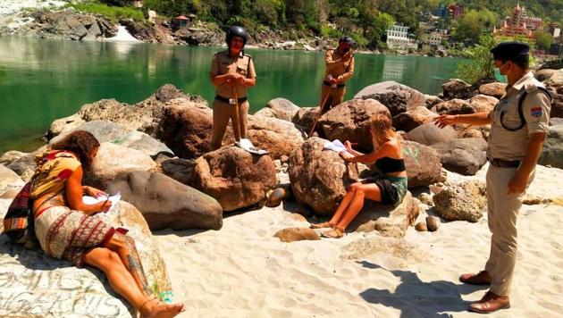 The incident happened in Tapovan area, one of the most popular tourist spots in Rishikesh, which falls under Muni ki Reti police station in Tehri Garhwal district, on Saturday afternoon.(HT PHOTO.)