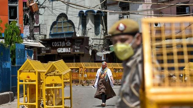 The 3-week lockdown was introduced to break the chain of Covid-19 infection across the country and 'flatten the curve'. The lockdown will come to an end on April 14, if not extended further.(Sushil Kumar/HT PHOTO)