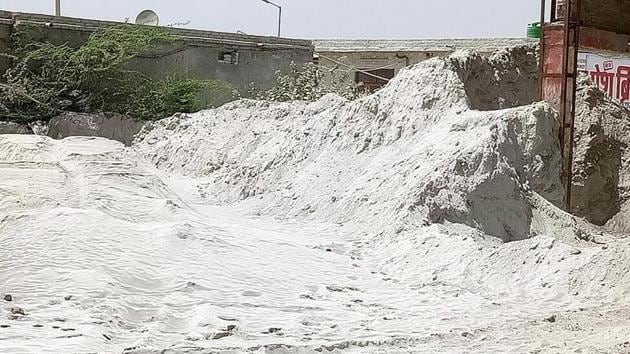 Six people including a woman and her two children, and a man and his son went missing and two women sustained injuries after a fly ash dyke of the Sasan Ultra Mega Power Project developed a breach on April 10 evening. (Image used for representation).(HT FILE PHOTO.)