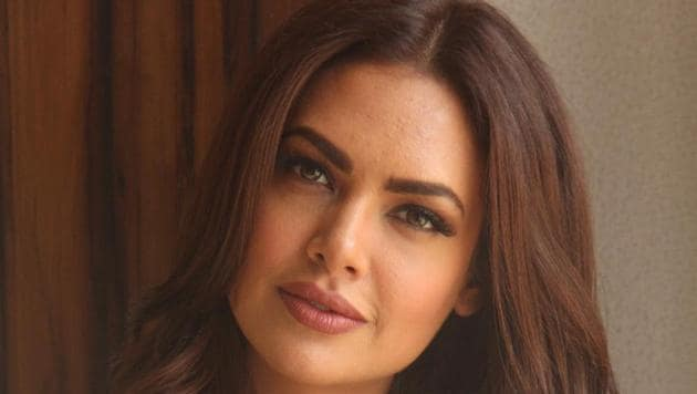 Actor Esha Gupta is using this lockdown period to learn a new language