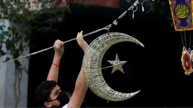 For the time period of this month Muslims let go of worldly pleasures and observe the fast along with their friends and family.(REUTERS)