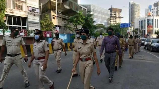 The patrolling police personnel reached an intersection in Shivaji Nagar after the police control room informed them of a mob was roaming on the road, the police said. (Satish Bate/HT Photo)