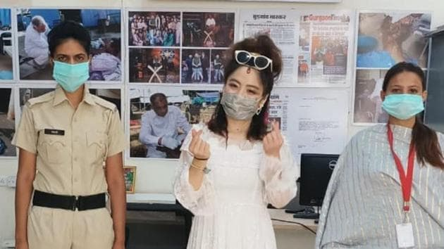 In such a charged atmosphere, Zhang Aixi, a Chinese citizen found herself stuck as the lockdown was announced. Zhang had come to India on a solo trip in January.