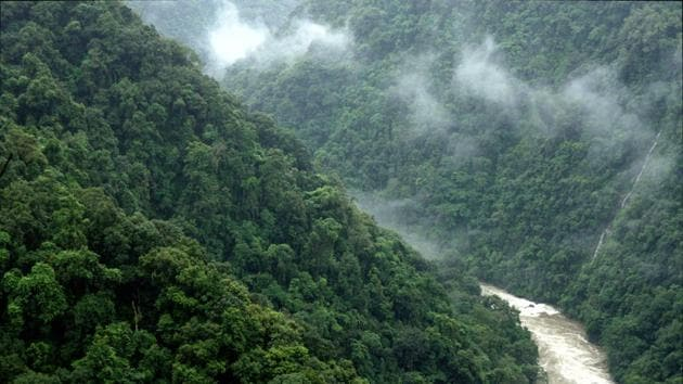 The risk of hydropower projects upstream closer to glaciers and glacial lakes is extremely high due to the unpredictable nature of the volume and flow rate during glacial lake outburst floods.(Photo: Chintan Sheth/ HT)