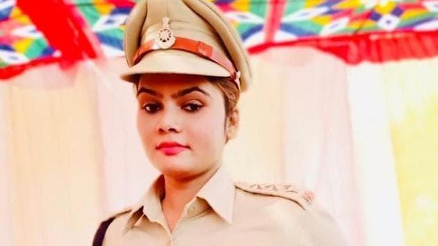 Lady Singham, Neha Pachisia from Guna, MP(Facebook)