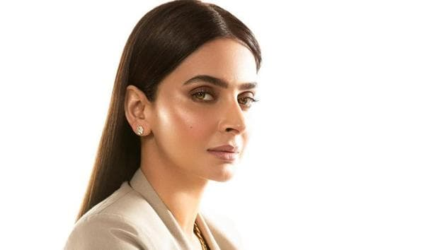 Pakistani actor Saba Qamar says she learnt a lot from Irrfan while working on 2017 film, Hindi Medium