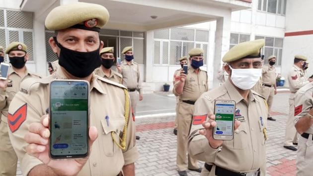 Eight crore people, including almost all government officials had downloaded the Aarogya Setu app till Friday.(ANI PHOTO.)