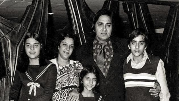 Nargis with her family, husband Sunil Dutt, son Sanjay Dutt and daughters Priya and Namrata.