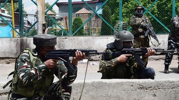 Two terrorists were also killed in the encounter that began around 3:30pm on Saturday in Chanjmulla area of Handwara.(ANI)