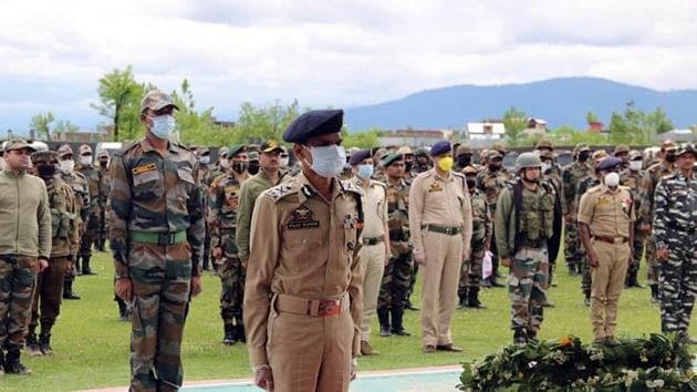 Indian Army pays tribute to martyrs who lost their lives in the line of duty, in Jammu and Kashmir's Handwara on Sunday.(ANI Photo)