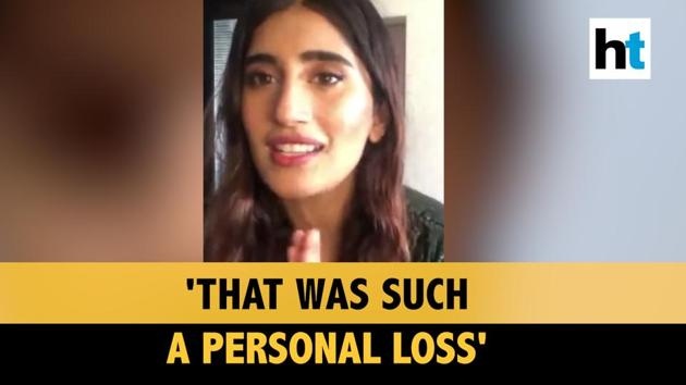 Speaking on Irrfan Khan's demise, Akasa Singh said that it was a personal loss. Akasa was speaking during a live event 100 Hours 100 Stars. The event was organized by Fever network to raise funds for Covid-19. Watch the video for more details.