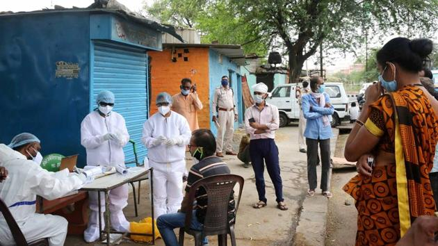 Bhopal has registered 571 Covid-19 patients so far out of whom 16 have died. As per organisations of the tragedy survivors at least 15 of the deceased were the gas tragedy victims.(PTI)