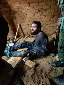 The Indian Army and Jammu and Kashmir police in a joint operation arrested Tanveer Ahmer Malik, an over ground worker (OGW) of terror outfit Hizbul Mujahideen, from Tantna village in Doda district of Jammu and Kashmir on Tuesday.(PTI)