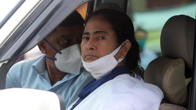 The West Bengal Doctors' Forum told Chief Minister Mamata Banerjee late last month that the deaths needed to be declared as per World Health Organisation (WHO)'s guidelines, using International Classification of Disease (ICD) 10 coding.(ANI)