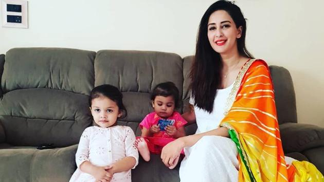Chahatt Khanna is a single mother to two little girls.