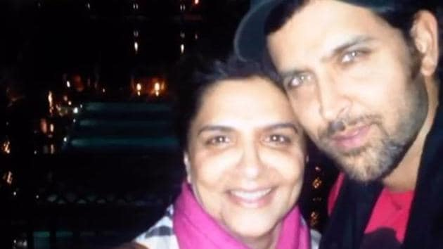 Hrithik Roshan poses with his mom, Pinky Roshan.