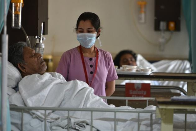 Nurses, among other healthcare workers, have been working extra hours to ensure that patients receive the necessary medical care during Covid-19 pandemic.(Samir Jana/HT Photo (For representational purpose only))
