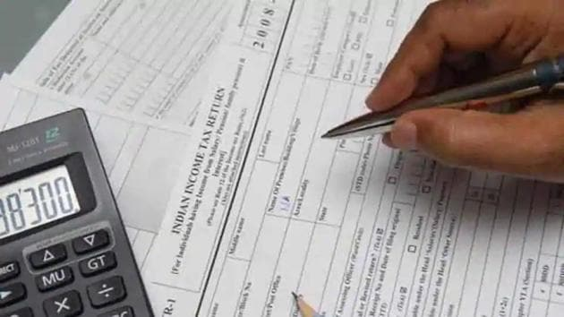 Due date for all income tax returns extended to November 30, 2020.(File photo)