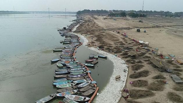 Boats are seen anchored at Sangam during a nationwide lockdown as a preventive measure against the coronavirus, in Prayagraj.(PTI)