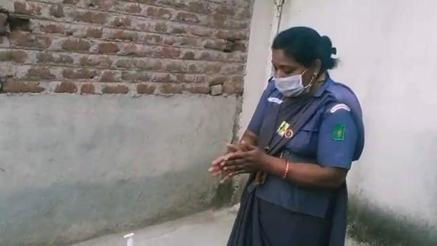 Screengrab of Sunita Nagkirti video(Twitter)